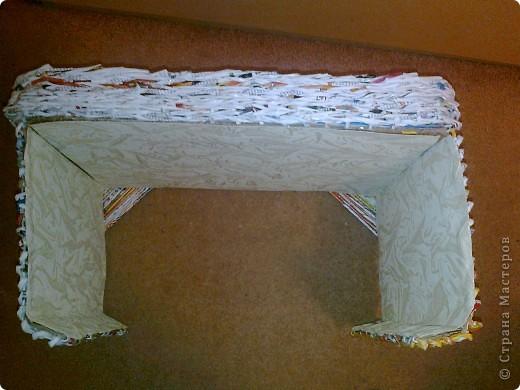 Вот такой столик под ноутбук я соорудила, чтобы ставить его на ноги, когда сижу перед телевизором, или в постель, чтобы смотреть фильмы онлайн. фото 7