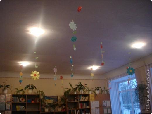 Так мы украсили украдкой класс- сюрприз и хорошее настроение обеспечено первому вошедшему утром! фото 1