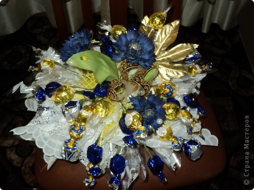 Букеты из конфет.(продолжение) фото 4