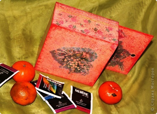 Очередная коробка для чайных пакетиков. Поехала жить, в подарок на 8 марта, к соседке. Говорит понравилось.... мне не очень... фото 5