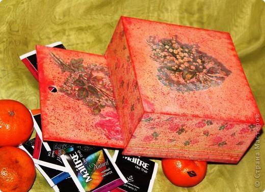 Очередная коробка для чайных пакетиков. Поехала жить, в подарок на 8 марта, к соседке. Говорит понравилось.... мне не очень... фото 4