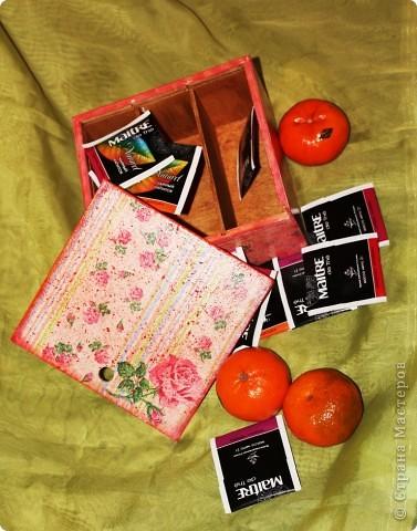 Очередная коробка для чайных пакетиков. Поехала жить, в подарок на 8 марта, к соседке. Говорит понравилось.... мне не очень... фото 3
