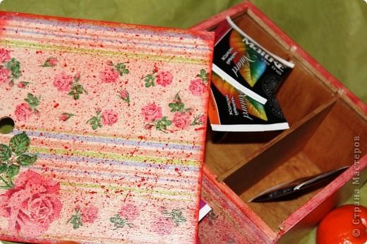Очередная коробка для чайных пакетиков. Поехала жить, в подарок на 8 марта, к соседке. Говорит понравилось.... мне не очень... фото 2