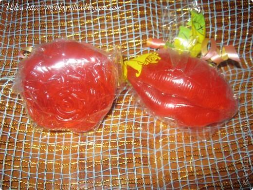 Мыло для тела с запахом французских духов Нины Ричи.( роза и губы) фото 1