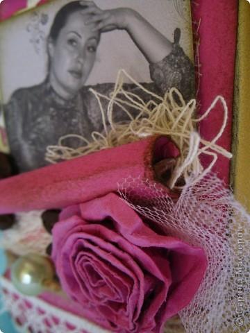 Наконец-то дошли руки до второй части подарка ко дню рождения родственницы...первую-кофейное деревце, вы уже видели, а теперь вот и банка подоспела...создать ее помогло задание от одного из блогов...так уж случилось,что оно поддержало и розовый цвет и бабочек, уже использованных в предыдущей работе, а условие-горошек, по-моему, делает работу еще более романтичной и девичьей... фото 5