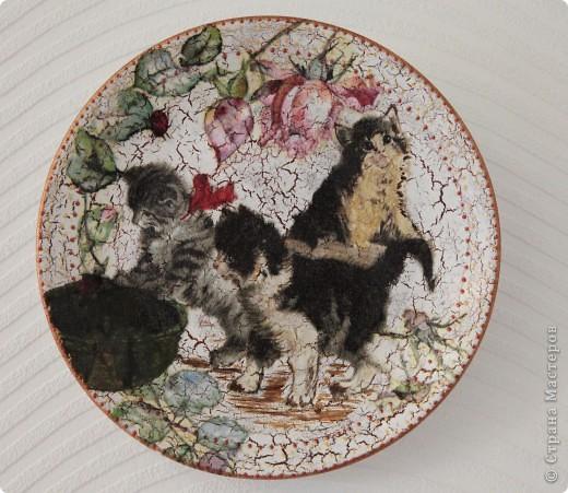тарелки с воранами - просто очаровалась салфеткой!:)) фото 5