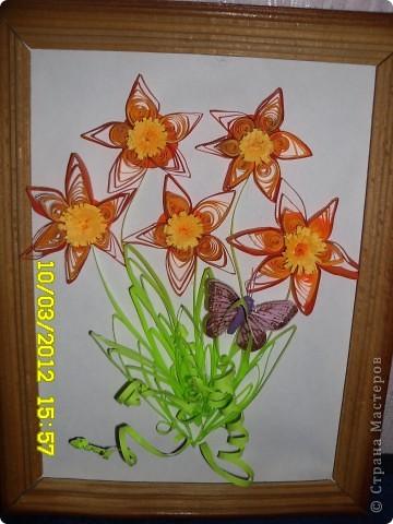 Одни из первых цветов в технике квиллинг