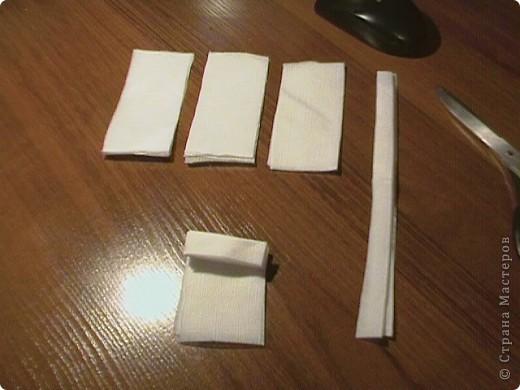Берём три бумажные( обыкновенные ) салфетки. Не обезательно использовать многослойные. фото 5