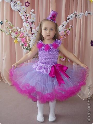 Вот такой костюмчик я шила дочке на 8 марта. фото 2