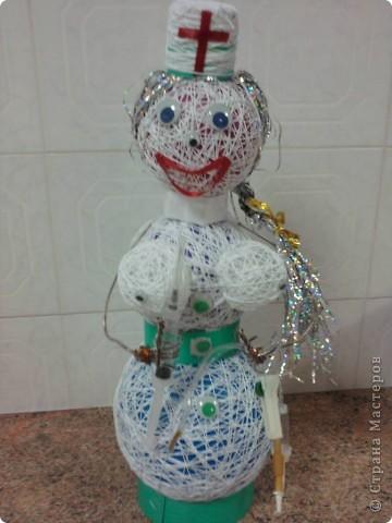 Эта медсестричка была сделана из подручного материала во время нахождения в больнице