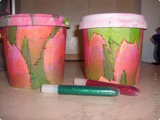 Моя первая работа в технике декупаж,подарила вот такой горшочек для цветов подруге,ей очень понравилось. фото 4