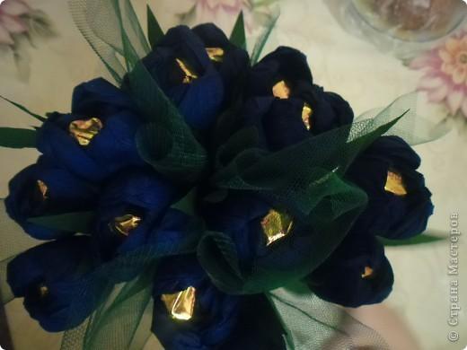 Вот только на фото букет получился с синими цветами, хотя в жизни они были сиреневые. фото 1