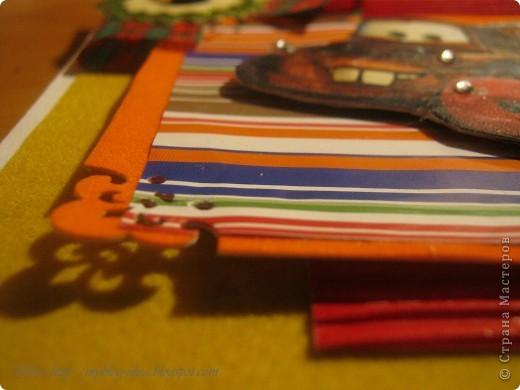 """сами """" Тачки """" сделаны в технике декупаж и покрыты лаком , приклеины на подушечки, что придала объём открытке. фото 3"""