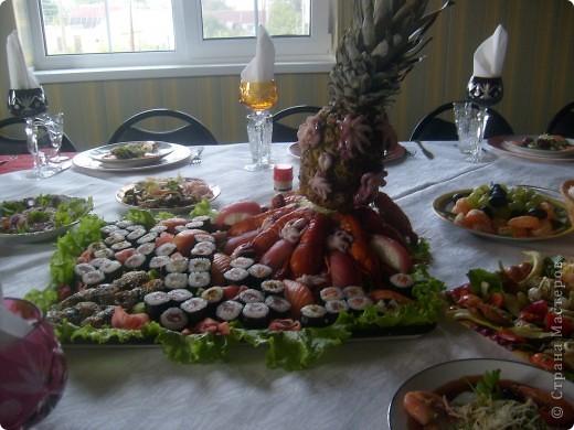 Вот так я решила оформит тарелку с роллами и суши ... фото 1