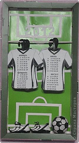 Мои мальчики вместе с мужем футбольные фанаты. Решила сделать им календарь на их любимую тему. фото 1