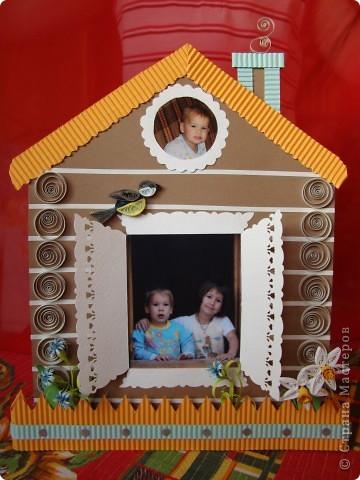 Сделала домик для мамы на День Рождения. Он плоский, а сзади подставочки. фото 1