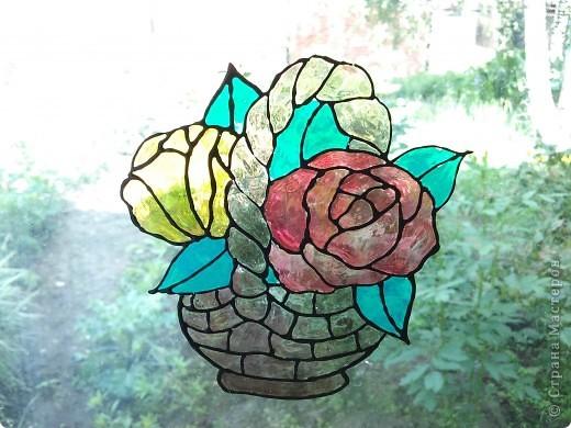 Здравствуйте, купили летом витражные краски Луч и украсили окна в доме у тёщи. фото 3