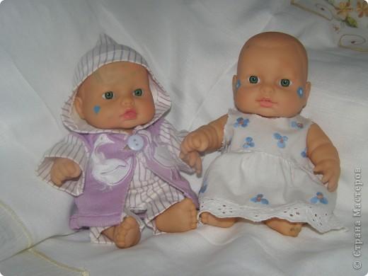 Знакомьтесь, это Оля и Коля. Прошу любить и жаловать. Одежка для них шилась, когда дочке было года 2. Сейчас ей шесть, а фотосессию мы сделали всего месяц назад, не догадались раньше. Так что одежда слегка поношена и порастерялась. Но все равно хочется показать. фото 1