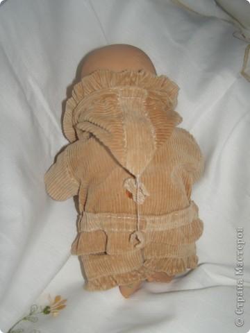 Знакомьтесь, это Оля и Коля. Прошу любить и жаловать. Одежка для них шилась, когда дочке было года 2. Сейчас ей шесть, а фотосессию мы сделали всего месяц назад, не догадались раньше. Так что одежда слегка поношена и порастерялась. Но все равно хочется показать. фото 8
