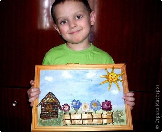"""Мой сынуля Костик очень любит делать поделки своими руками. Ему почти 5 лет.Очень любит лепить и рисовать. Когда пытаюсь ему в чем-то помочь, меня не подпускает. """"Я сам, ты не знаешь что я хочу сделать, не мешай мне"""". Вот так вот. Выставляю его первую самостоятельную работу.  фото 5"""