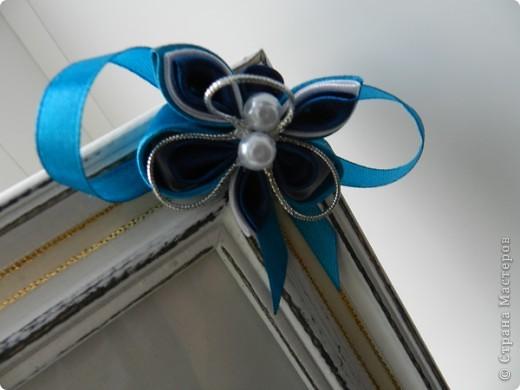 Очень спешила вчера сделать рамку, чтобы сегодня подруге подарить. Цветы и бабочка выполнены в технике канзаши.  фото 3