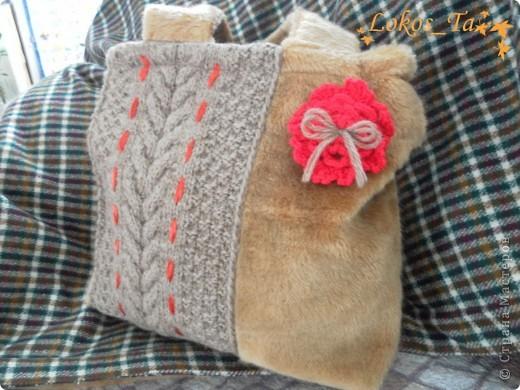 Сумка меховая с вязанным декором.