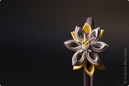 я сделала этот цветок на 3-й день после моего первого знакомства с канзаши )  фото 12