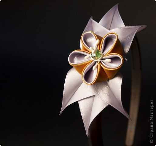 я сделала этот цветок на 3-й день после моего первого знакомства с канзаши )  фото 15