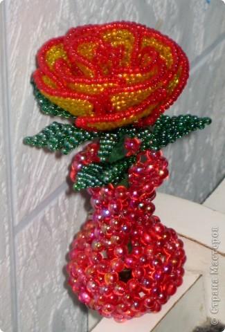 Этой розой я не очень довольна, все-таки из бисера делать лучше, чем из рубки фото 2