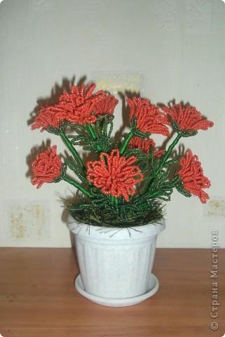 Интерьер Поделка изделие Бисероплетение цветок в горшке Бисер.