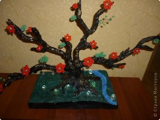 Я немного изменила подставку у этого дерева... Добавила ручеёк и камушки... фото 2