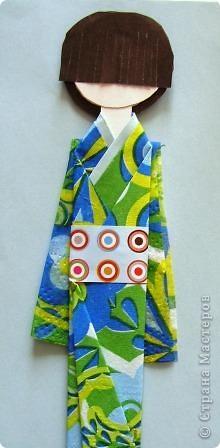 Как и обещала выставляю на Ваш суд свою куколку. Прочитать о ней можно Хина - мацури японский праздник куколок... http://stranamasterov.ru/node/328756 и Бумажная кукла Киогами http://stranamasterov.ru/node/244711?k=all&u=28426. Расцветка одежды такой куклы зависит только от Вашей фантазии и наличия материалов. фото 15
