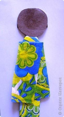 Как и обещала выставляю на Ваш суд свою куколку. Прочитать о ней можно Хина - мацури японский праздник куколок... http://stranamasterov.ru/node/328756 и Бумажная кукла Киогами http://stranamasterov.ru/node/244711?k=all&u=28426. Расцветка одежды такой куклы зависит только от Вашей фантазии и наличия материалов. фото 16