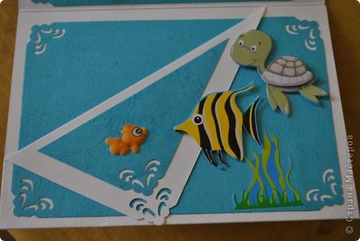 Открытка для девочки, которая очень любит рыбок)))) в дебрях Инета подглядела я идейку и чуть доработав, получилась вот такая красота)))) рыбки-наклейки, а сам аквариум сделан из зип-пакета и геля для душа...  фото 4