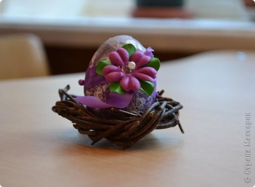 На прошлом занятии, до каникул мы делали корзиночки. А сегодня декорировали яйца. В технике декупаж фото 14