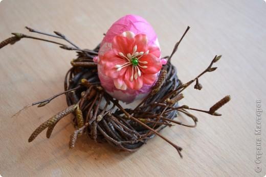 На прошлом занятии, до каникул мы делали корзиночки. А сегодня декорировали яйца. В технике декупаж фото 15