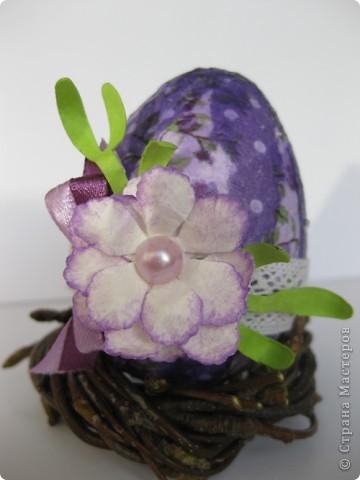 На прошлом занятии, до каникул мы делали корзиночки. А сегодня декорировали яйца. В технике декупаж фото 2