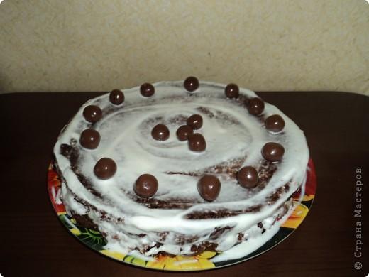 Шоколадный тортик с орехами.