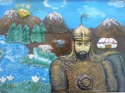 Мои ученицы слепили картину казахского батыра из соленого теста. фото 3