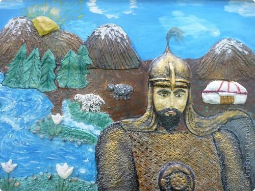 Мои ученицы слепили картину казахского батыра из соленого теста. фото 2