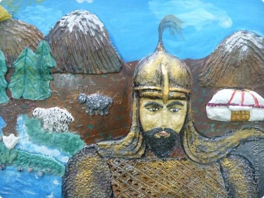Мои ученицы слепили картину казахского батыра из соленого теста. фото 1