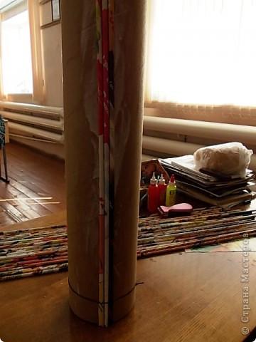 Из всего что мне приходилось делать, из газетных трубочек, подобные вазы самые легкие. Почему подобные, расскажу в конце МК. фото 12