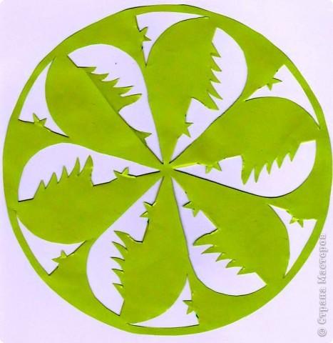 Картина панно рисунок Вырезание Елочки-мандалы Бумага фото 2.