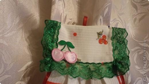 """Идёт весна, всё  в мире обновляется,  люди наводят порядок к домах, огородах . Вот и я решила """"обновить""""  кухню, пошить шторы и полотенца. Тем более повод есть : муж подарил швейную машинку. Правда с уговором : шить """"попиков"""". фото 5"""