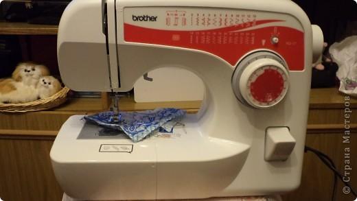 """Идёт весна, всё  в мире обновляется,  люди наводят порядок к домах, огородах . Вот и я решила """"обновить""""  кухню, пошить шторы и полотенца. Тем более повод есть : муж подарил швейную машинку. Правда с уговором : шить """"попиков"""". фото 6"""
