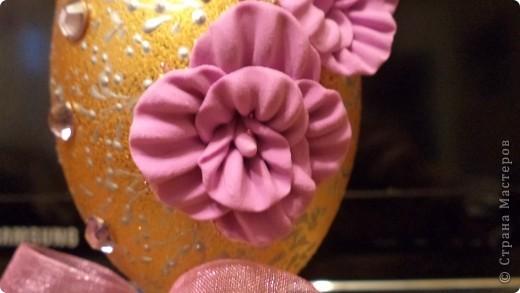 """Лепила цветы """" про запас"""", и как-то случайно получился странный лепесток. Заинтересовал это, слепила еще несколько, и собрала очень интересный цветок. фото 3"""