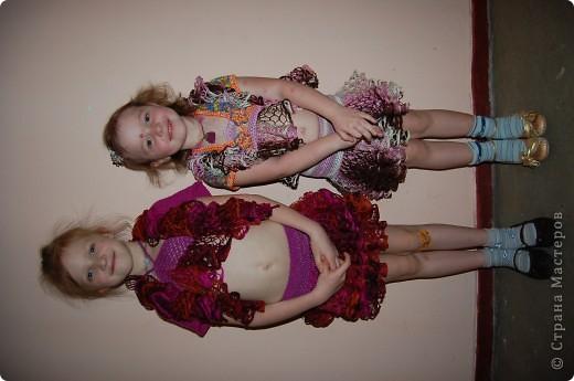 у всех шарфики а у нас костюмы для танцев фото 3