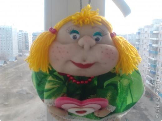 Еще одна кукла в подарок