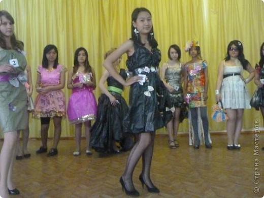 """В нашей школе было проведено внеклассное мероприятие по технологии: """"Театр моды из нетрадиционных материалов"""" фото 10"""