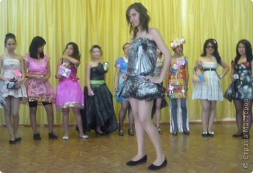 """В нашей школе было проведено внеклассное мероприятие по технологии: """"Театр моды из нетрадиционных материалов"""" фото 6"""